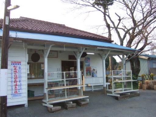 里見駅01