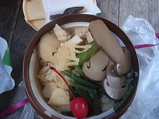 松茸の釜飯02
