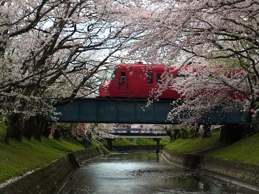 高田橋駅の北側から名鉄電車を撮影01