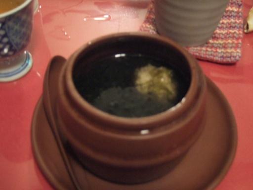 鳥団子と福建岩のりの壷蒸しスープ