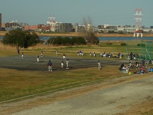 野球を楽しむ子どもたち