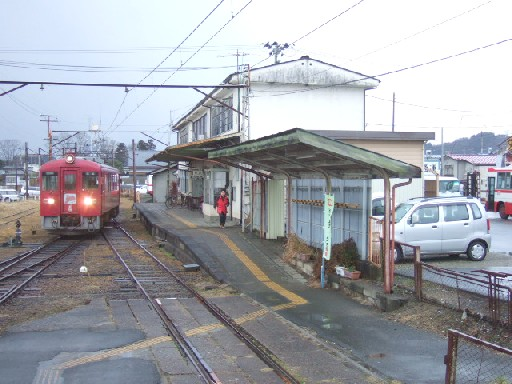 栗駒駅04