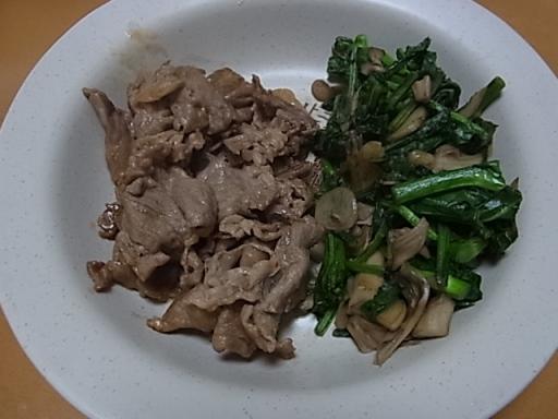 焼肉とかき菜の炒め物