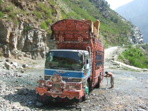 トラック洗車02