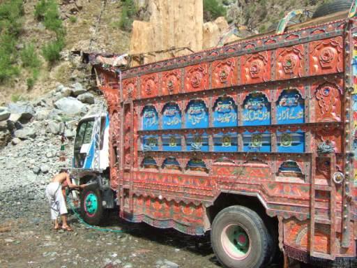 トラック洗車03