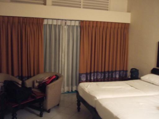 Browns Beach Hotel-02