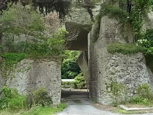 大谷石の門