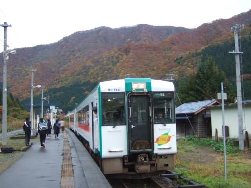 瀬見温泉駅02